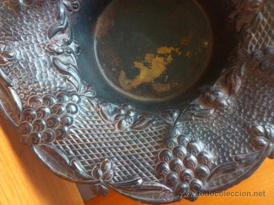 Antigüedades: Frutero antiguo de laton repujado - Foto 10 - 38225734
