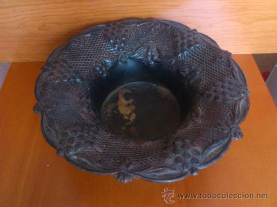 Antigüedades: Frutero antiguo de laton repujado - Foto 8 - 38225734