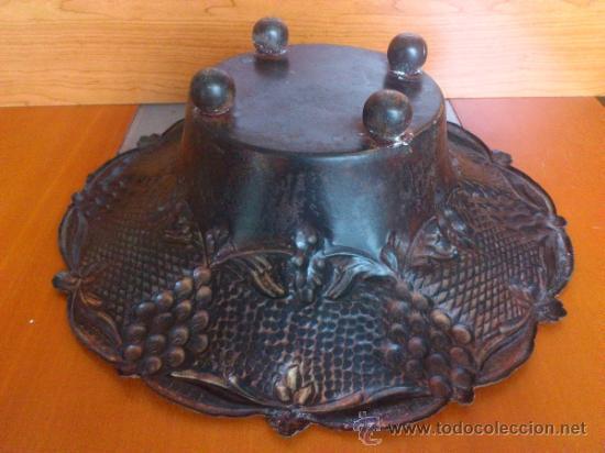 Antigüedades: Frutero antiguo de laton repujado - Foto 6 - 38225734