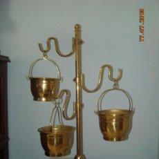 Antigüedades: MACETERO CON CUBITOS. Lote 38242603
