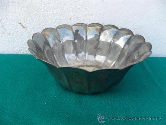 FRUTERO DE METAL PLATEADO (Antigüedades - Hogar y Decoración - Otros)
