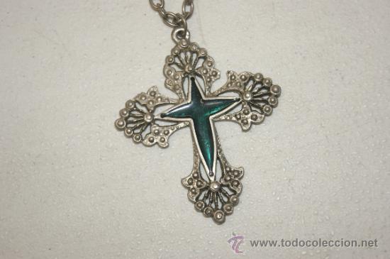 Antigüedades: Antiguo colgante con cruz esmaltada en estaño o plomo - Foto 2 - 38358733