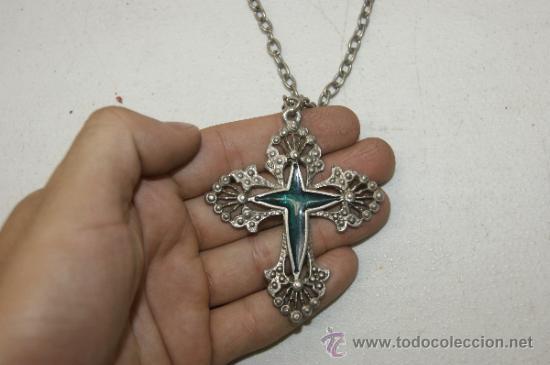 Antigüedades: Antiguo colgante con cruz esmaltada en estaño o plomo - Foto 4 - 38358733