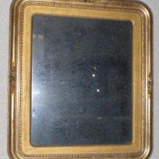 Antigüedades: ESPEJO ANTIGUO, S.XIX, MADERA TALLADA, ESTUCO Y PAN DE ORO. Lote 38368699