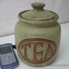Antigüedades: ESPECTACULAR ANTIGUO BOTE TARRO CERAMICA DE GRES CAJA PARA TE. Lote 38384392