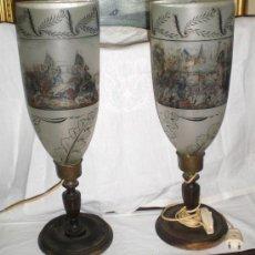 Antigüedades: PAREJA DE QUINQUE O LAMPARA (CONVERTIDOS A LUZ ELÉCTRICA).1830. MOTIVOS DE BATALLA (PINTADOS A MANO). Lote 38420766