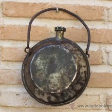 Antigüedades: CANTIMPLORA / ACEITERA ANTIGUA EN HIERRO FORJADO.. Lote 38517483