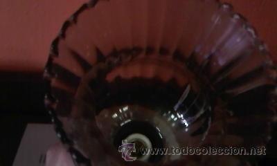 Antigüedades: Exquisita lampara de porcelana pintada a mano al oleo y dorado con dos piedras rojas.Italia. - Foto 8 - 38434234