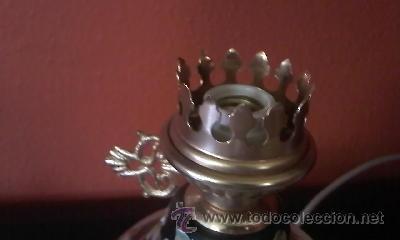 Antigüedades: Exquisita lampara de porcelana pintada a mano al oleo y dorado con dos piedras rojas.Italia. - Foto 9 - 38434234