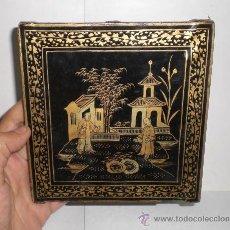 Antigüedades: BONITA MINIATURA CHINA DE MADERA LACADA. S.XIX. CON MOTIVOS ORIENTALES DORADOS.. Lote 38468204