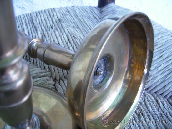 Antigüedades: magnifica pareja de candeleros S.XVI S.XVII, bronce cazoleta. med base 13cms 19 alt autenticos - Foto 5 - 38495247