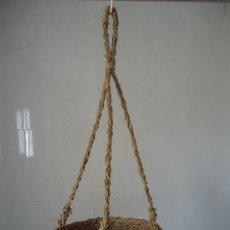 Antigüedades: CESTO DE SOGA COLGANTE MACETERO PARA MACETA JARDIN EN MIMBRE-ARTE PASTORIL- ETNOGRAFÍA. Lote 38499057