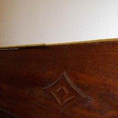 Antigüedades: PIECERO EN MADERA MACIZA DE CAOBA DAITADA. Lote 39407321