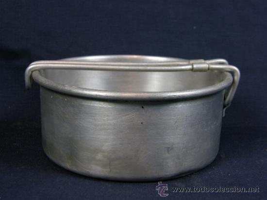 Antigüedades: fiambrera aluminio 1º mitad siglo XX diámetro 13 cm altura 6 cm Aluminio Hispano Suiza en la base - Foto 4 - 181330867