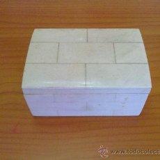 Antigüedades: PEQUEÑA CAJA NÁCAR Y MADERA.. Lote 38522428