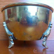 Antigüedades: MACETERO ANTIGUO EN BRONCE. Lote 38538825