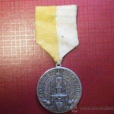 Antigüedades: MEDALLA DEL CONGRESO EUCARÍSTICO DE BARCELONA JUNIO 1944. Lote 38556790