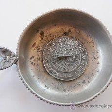 Antigüedades: CATAVINOS FRANCES DEL SIGLO XVIII - INTERIOR CON RELOJ SOLAR. Lote 38561733