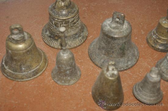 Antigüedades: Gran lote de 8 campana muy antiguas de bronce, a identificar - Foto 3 - 38584622