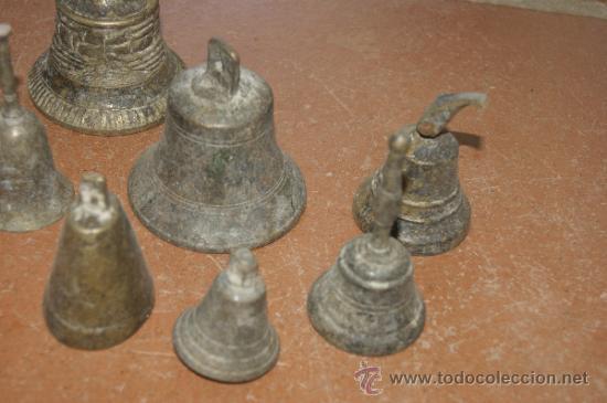 Antigüedades: Gran lote de 8 campana muy antiguas de bronce, a identificar - Foto 4 - 38584622