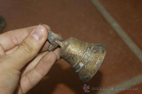 Antigüedades: Gran lote de 8 campana muy antiguas de bronce, a identificar - Foto 17 - 38584622