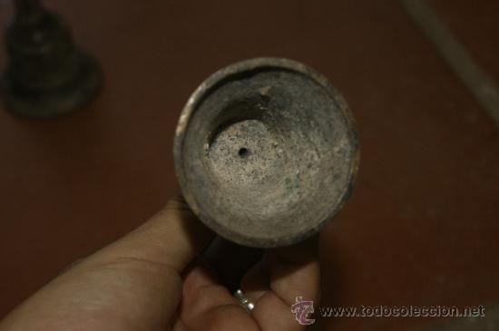 Antigüedades: Gran lote de 8 campana muy antiguas de bronce, a identificar - Foto 18 - 38584622