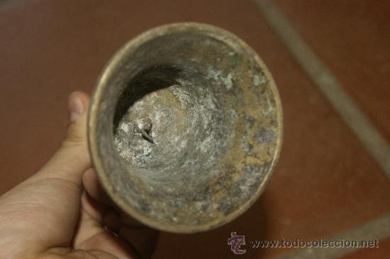 Antigüedades: Gran lote de 8 campana muy antiguas de bronce, a identificar - Foto 20 - 38584622