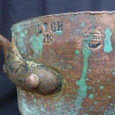 Antigüedades: CAZO DE COBRE CON MANGO DE HIERRO, JOSE PRECKLER. Lote 38624924