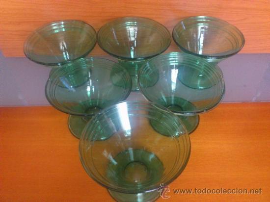 Antigüedades: Juego antiguo de ponchera y diez copas en cristal soplado Catalán verde - Foto 19 - 38645156