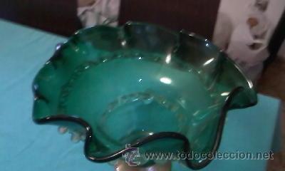 Antigüedades: Exquisito centro de mesa en cristal de murano verde botella con adornos de cristal transparente . - Foto 3 - 38668146