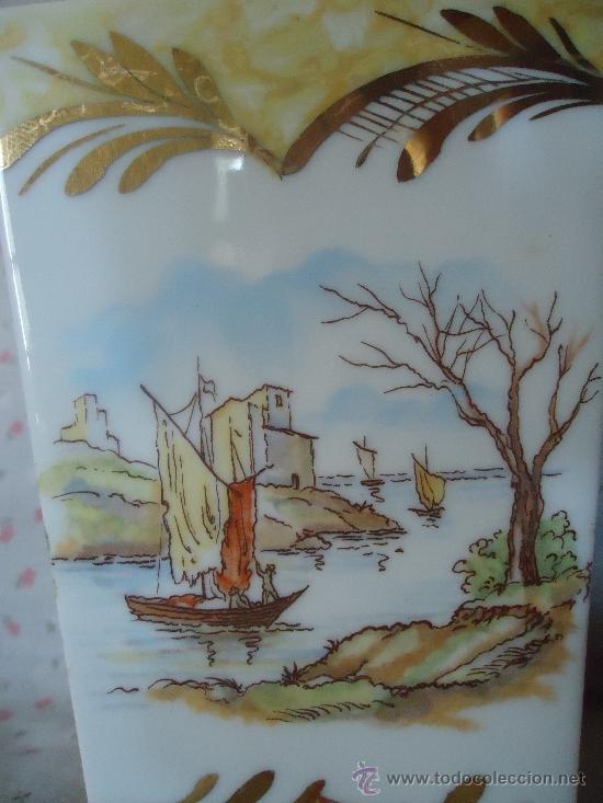Antigüedades: BOTELLA O LICORERA EN PORCELANA de MANISES VALENCIANA ESCENAS DE PESCADORES - Foto 4 - 38688942