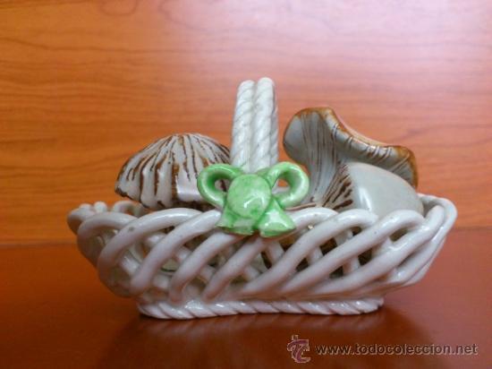 Antigüedades: Cesta con setas en ceramica vidriada, hechas y pintadas a mano - Foto 2 - 38734326