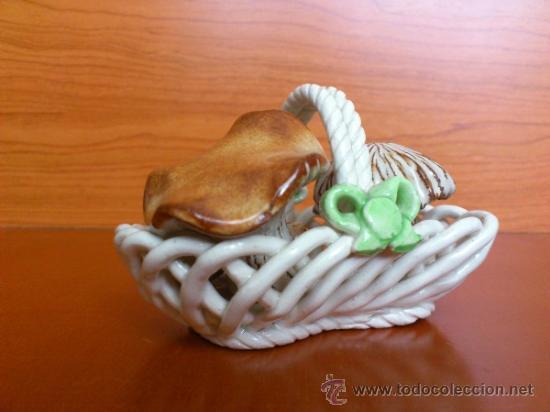 Antigüedades: Cesta con setas en ceramica vidriada, hechas y pintadas a mano - Foto 4 - 38734326