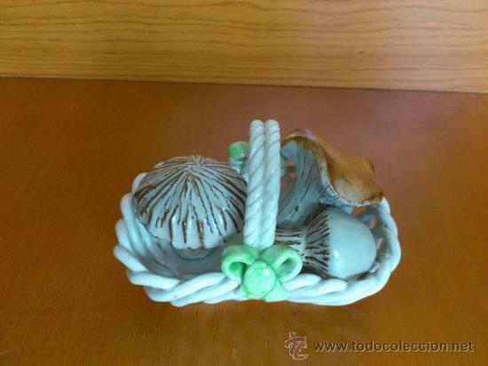 Antigüedades: Cesta con setas en ceramica vidriada, hechas y pintadas a mano - Foto 6 - 38734326
