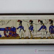 Antigüedades: PLAFÓN DE 3 BALDOSAS REPRESENTANDO SOLDADOS - PRIMERA MITAD DEL SIGLO XX. Lote 38809547