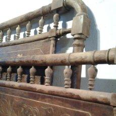 Antigüedades: CAMA MODERNISTA EN MADERA DE HAYA TORNEADA. Lote 39408318