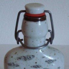 Antigüedades: BOTELLA DE PORCELANA BAVARIA ROSLER (ALEMANA). Lote 38868744