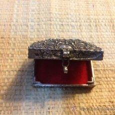 Antigüedades: PEQUEÑA CAJA DE PLATA, PASTILLERO, JOYERO. Lote 38892452