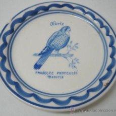 Antigüedades: PLATO CERAMICA LORA - AVES RAPACES - CERNICALO. Lote 38897350