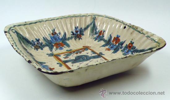 Antigüedades: Antiguo frutero de Ribesalbes o valenciano de cerámica, 23x23 cm. - Foto 5 - 38950967