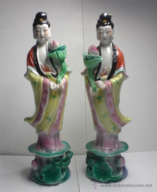 ANTIGUA PAREJA DE FIGURAS DE PORCELANA CHINA (Antigüedades - Porcelanas y Cerámicas - China)