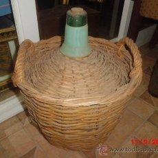 Antigüedades: GARRAFA O DAMAJUANA DE CRISTAL FORRADA DE MIMBRE . Lote 38976996