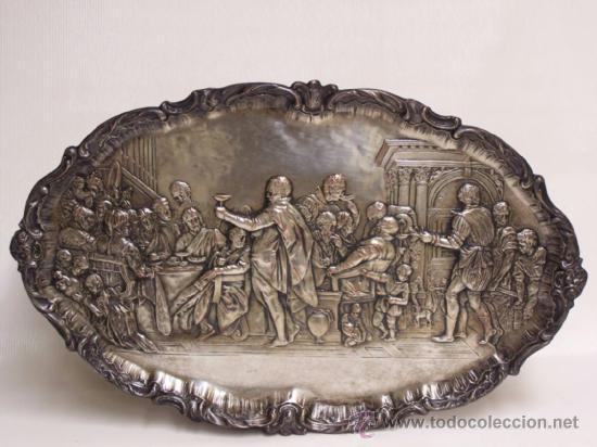 BANDEJA DE COLGAR. RELIEVE DE METAL PLATEADO SOBRE LA ÚLTIMA CENA DE RUBENS. (Antigüedades - Platería - Bañado en Plata Antiguo)