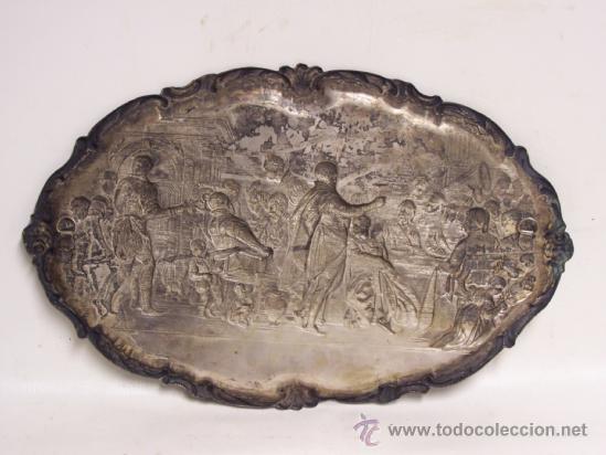 Antigüedades: Bandeja de colgar. Relieve de metal plateado sobre la última cena de Rubens. - Foto 2 - 38980012