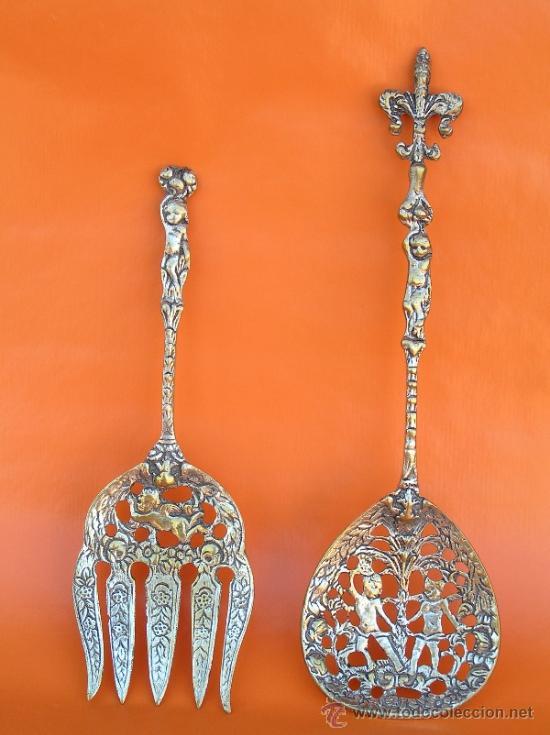 Antigüedades: CUBIERTOS DE SERVICIO. Profusamente decorados. S: XIX. Bronce bañado en plata. - Foto 18 - 38969842