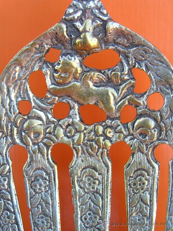 Antigüedades: CUBIERTOS DE SERVICIO. Profusamente decorados. S: XIX. Bronce bañado en plata. - Foto 11 - 38969842