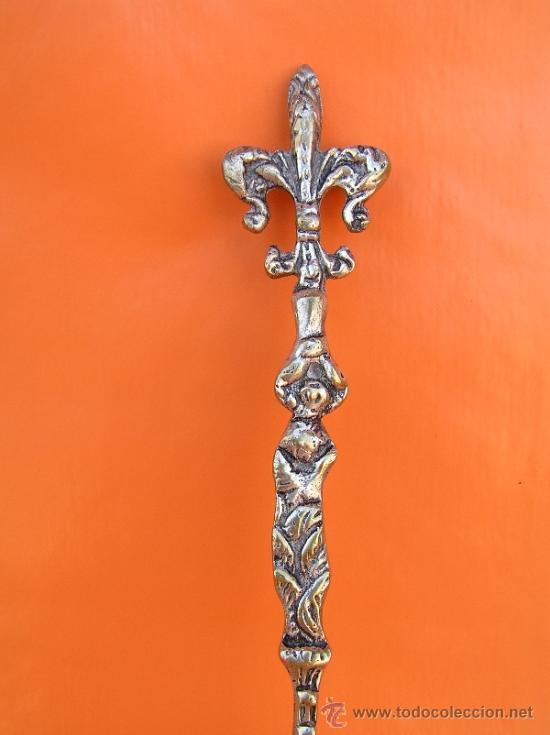 Antigüedades: CUBIERTOS DE SERVICIO. Profusamente decorados. S: XIX. Bronce bañado en plata. - Foto 5 - 38969842