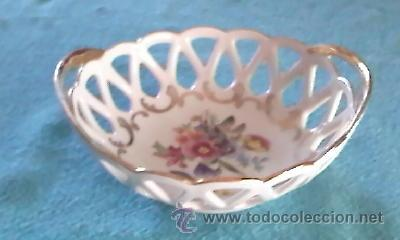 Antigüedades: Precioso cuenco bombonera porcelana calada . Marca P M MADE IN GDR. - Foto 5 - 39623077