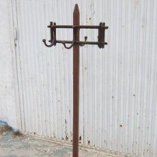 Antigüedades: PERCHERO ANTIGUO DE PIE EN MADERA . Lote 39020196