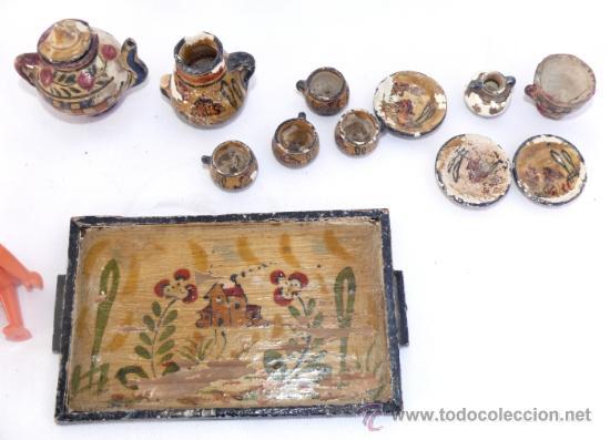 Antigüedades: JUEGO MUY ANTIGUO JUEGO CAFE Y BANDEJA MADERA EN BARRO CERAMICA MANISES MINIATURA PINTADO A MANO - Foto 2 - 39043081